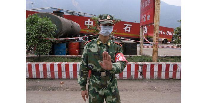 aiweiwei-sichuan-flic