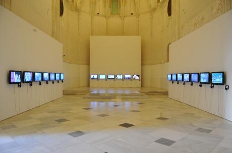 Artur-Zmijewski_Democracies_2009_20-video-films_Courtesy-of-the-artist_Galerie-Peter-Kilchmann