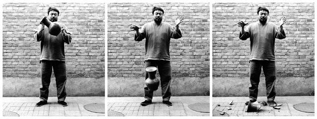 laisser-tomber-une-urne-de-la-dynastie-des-han-1995-c2a9ai-wei-wei-my-art-agenda1