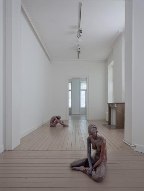 14_UgoRondinone-nudes-installation-3