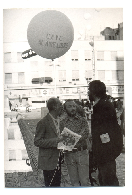 2. Vista de la Plaza Roberto Arlt en la exposición CAYC al aire libre. Arte e ideología, 1972