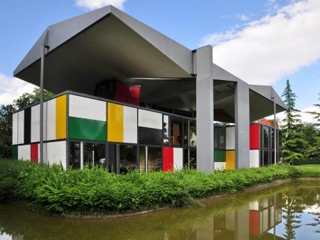 Centre_Le_Corbusier_2011-06-18_18-11-02_ShiftN-1