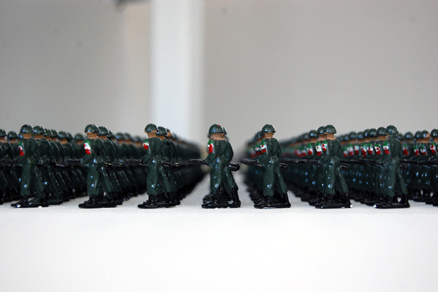 tin-soldiers-by-ala-younis-3
