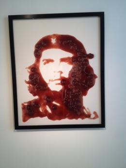 Vik Muñiz, el fotógrafo que armó al Che Guevara con chocolate y muchomás